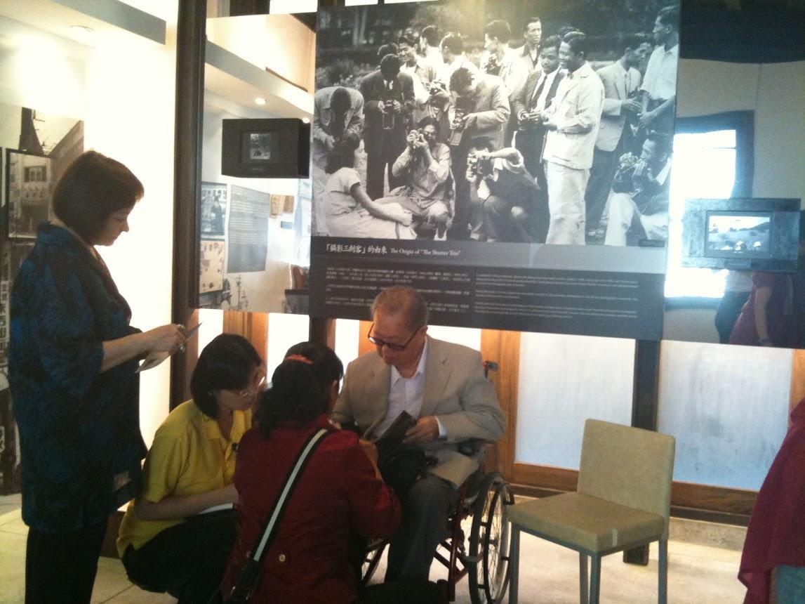 西北創辦人也是台灣攝影三劍客 李鳴鵰 先生,在延平南路辦的個展